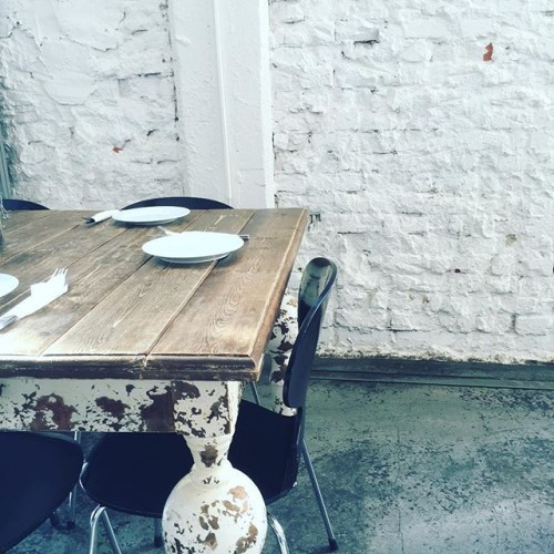 Sonntagmorgen im Café Schmidt